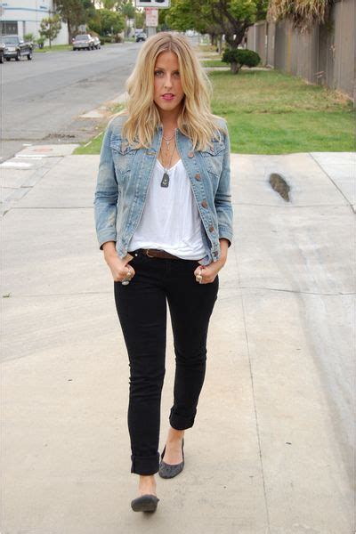 Cute and simple outfit ; blue jean jacket makes this outfit so cute | Wardrobe essential - Denim ...