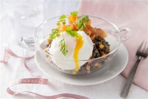 recette de salade de lentilles au saumon fumé et oeuf