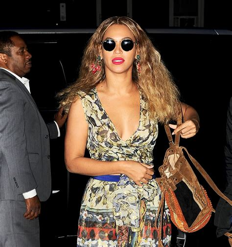 Beyonce Looks Boho Chic - Out in NYC 6/17/2016 • CelebMafia
