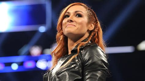 report becky lynch offered   wwe contract   pay