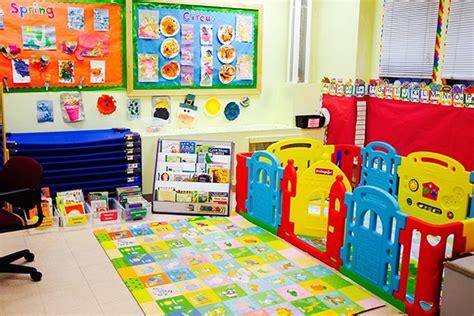 manhattan nursery school thenurseries 461 | young%20toddler%20classroom%201 600x400
