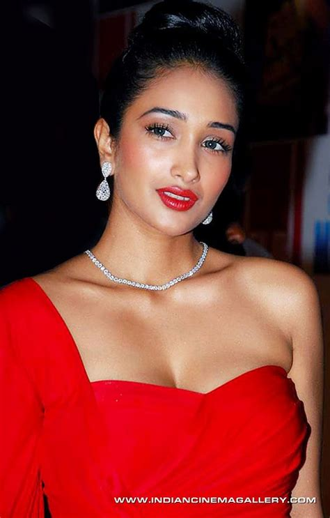 jiah khan hot boobs big tits hot pics