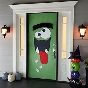 25 Halloween Front Door Décorations That You'll Love