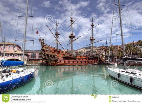 l il galeone neptune dans le port de g 234 nes italie photos libres de droits image 14437358