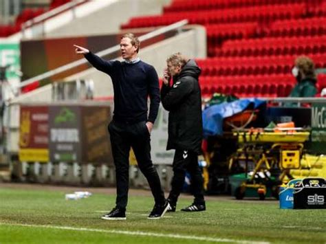 Bristol City manager sacked after sixth straight loss ...