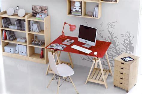 bureau pour salon aménager un coin bureau dans le salon trouver des idées