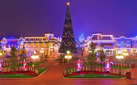 Free disneyland christmas wallpapers and disneyland christmas backgrounds for your computer desktop. Disneyland Christmas Wallpapers - Top Free Disneyland Christmas Backgrounds - WallpaperAccess