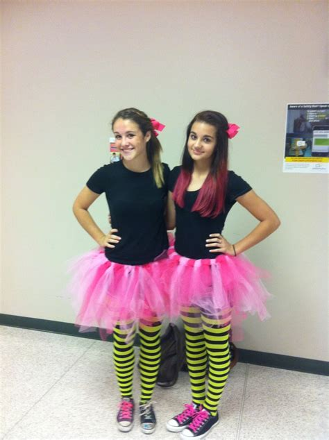 Twin day | School dress up ideas | Pinterest | Spirit weeks Autumn and Twin