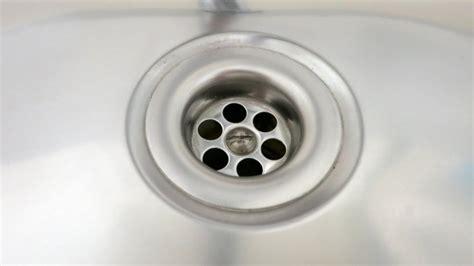 Abfluss der Spüle stinkt? Soda! Frag Mutti