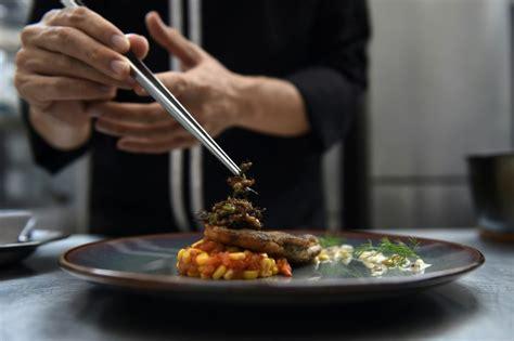 en tha 239 lande la gastronomie pour rendre les insectes 224 la mode challenges fr
