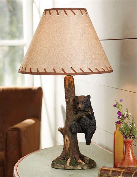 Hanging Around Bear Table Lamp