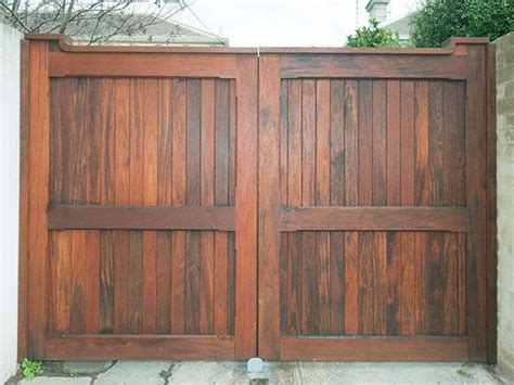 17 Best Ideas About Wooden Gates On Pinterest