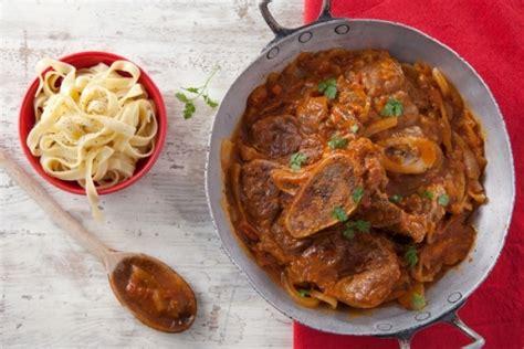 cuisine italienne osso bucco recette de osso bucco à l 39 orange polenta moelleuse aux herbes