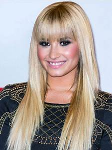 Demi lovato, Hair with bangs and Music festivals on Pinterest
