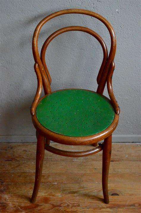 chaise bistrot thonet fischel chaise witzige variante eines stuhls der firma