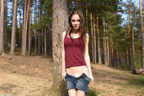 Wallpaper Lapa Pala Taressa Model Teen 18 Years Old Russian Cute Brunette Smile