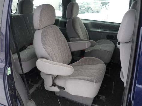 ford windstar  model pics attached