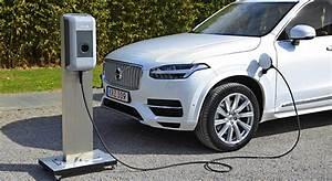 Hybride Auto Rechargeable : volvo xc90 t8 hybride rechargeable essai prix et photos ~ Medecine-chirurgie-esthetiques.com Avis de Voitures