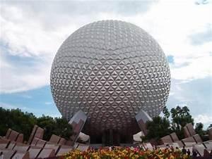 Leo Villareal's 'BUCKYBALL' Brings Buckminster Fuller's ...