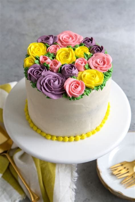 buttercream flowers cake   epicurean