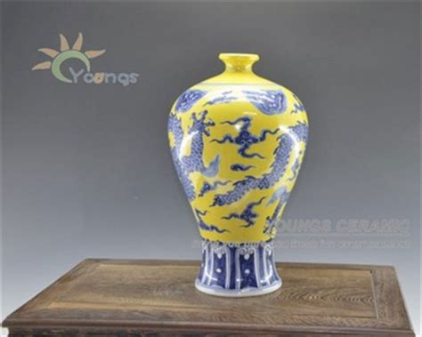 Ming Vase Replica by Ming Dynasty Antique Reproduction Porcelain