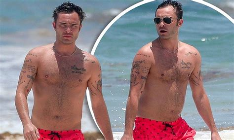 ed westwick  shirtless   relaxes  mexico getaway