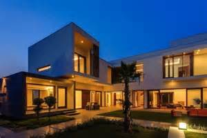 Stunning Villa House Designs Photos by Stunning Cubic House In New Delhi India