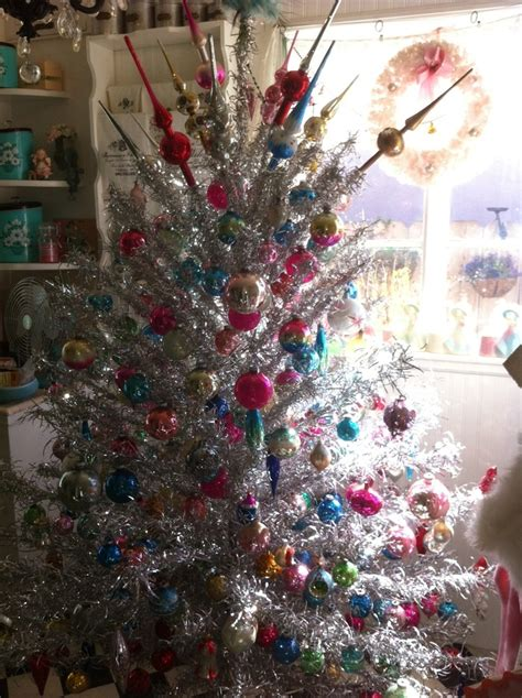 Old Silver Christmas Tree Color Wheel