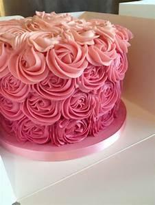 swirl cake for a cake smash 60th birthday cakes