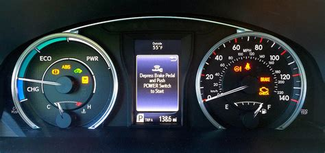 toyota camry hybrid review  score  mpg