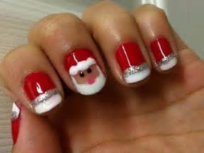 Christmas spectacular nail art for short nails is looking outstanding