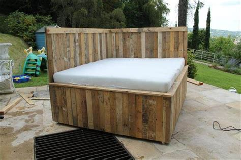 outdoor bed frame diy pallet outdoor bed sectional pallet bed 101 pallets