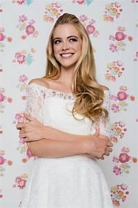 Lindegger Küss Die Braut : kuessdiebraut betty 2019 5 kuess die braut lindegger collage 1 braut brautmode brautkleider ~ Yasmunasinghe.com Haus und Dekorationen