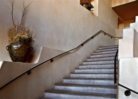 comment poser une re d escalier au mur