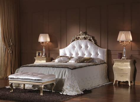 chambre a coucher baroque le chevet baroque rennaissance d 39 un meuble classique