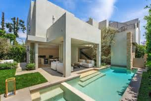 pictures modern mansion vegetation offering privacy in contemporary modern