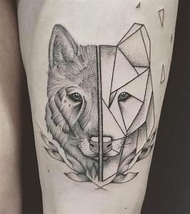 Loup Tatouage Signification : photo tatouage loup cuisse ~ Dallasstarsshop.com Idées de Décoration