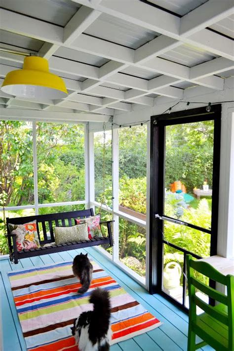 comfy  relaxing screened patio  porch design ideas digsdigs