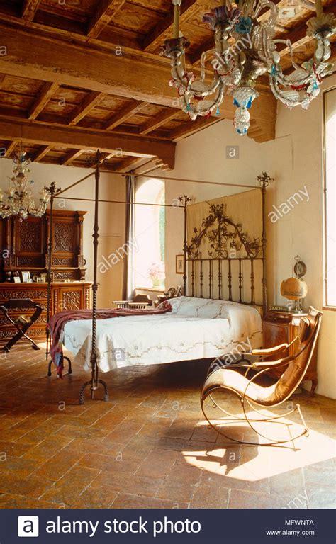 letti antichi in legno letti antichi simple porte in legno mobili rustici mobili
