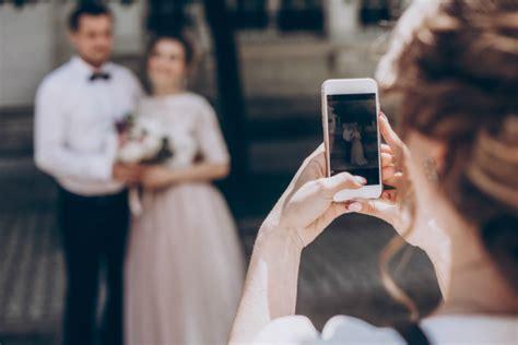 social media etiquette  wedding guests