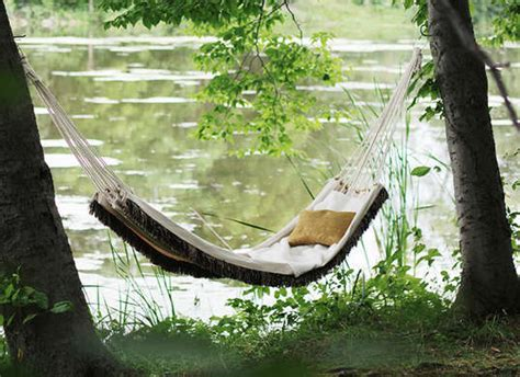 Diy Hammock Swing by 5 Outdoor Furniture Designs You Can Make Yourself Huffpost