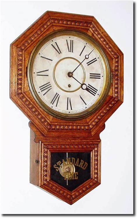 Vintage L Value by Wm L Gilbert Admiral Antique Clock