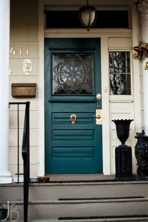 Dedicated: How to Choose a Front Door for Your Home