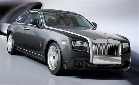 roll royce ghost car and driver