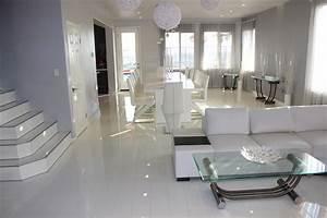 Laminat Weiß Hochglanz : laminat hochglanz color white glamour life rundkante ~ A.2002-acura-tl-radio.info Haus und Dekorationen