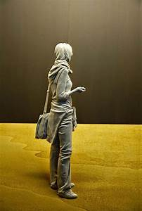 » Incredibly Realistic Wood Sculptures Of People ...