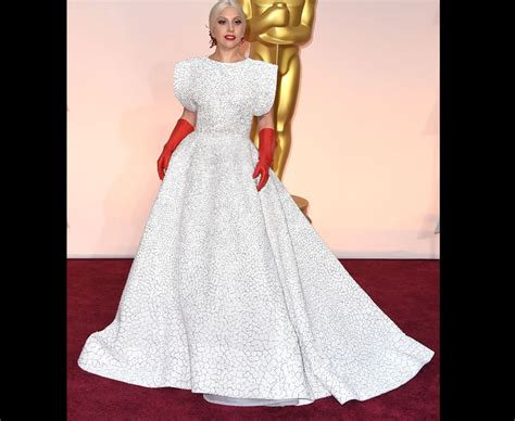 Lady Gaga Dons Rubber Gloves For The Oscars