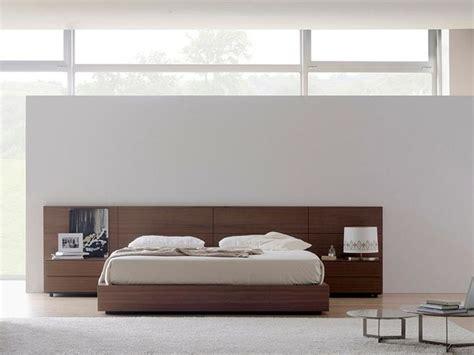 chambre adulte en bois massif tête de lit en bois massif omen by treku design tarte