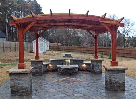 Arched Pergola Kits: Redwood Arched Garden Pergolas