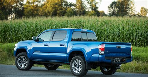 Towing Capacity Of Toyota Tacoma by Toyota Tacoma Adds Power And Towing Capacity For 2016